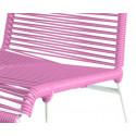 detaille de silla estructura blanca trensada Rosa