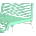 detaille de silla estructura blanca trensada verde ral 6019