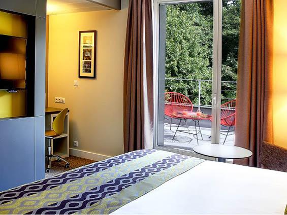 hotel best western meubles jonc plastique boqa